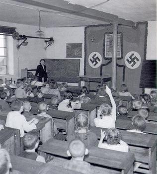 Schule im NS-Regime.jpg