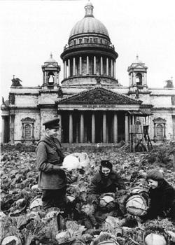 Siege-of-Leningrad_4.jpg