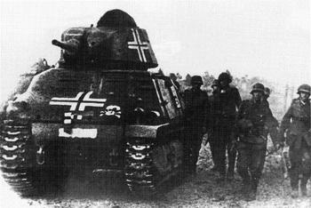 Somua S-35 of the SS-Totenkopf division.jpg