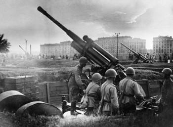 Soviet 85cm M1939 (52-K) anti-aircraft guns at Gorky Park, Moscow, Russia, 28 Jul 1941.jpg