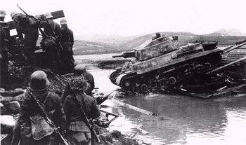 Turán II crossing a river.jpg