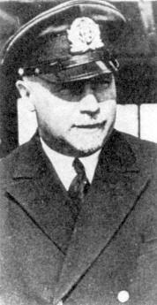 Wilhelm Gustloff Kapteinis Petersen.jpg