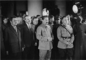 Zhdanov, Molotov,Stalin, and Voroshilov.jpg