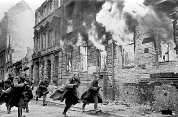 battle-berlin-1945-Russian forces.jpg