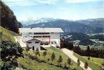 berghof-obersalzberg-alps-1936.jpg