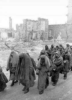 hese are pitiful remains of the Wehrmacht in Stalingrad.jpg