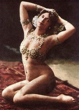 matahari_paris_1910.jpg
