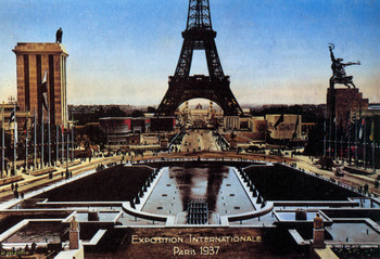 pavilions of Nazi Germany and the Soviet Union defiantly faced each other in Paris.jpg